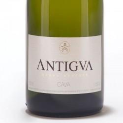 Antigva Grand Reserve Brut Nature sparkling wine